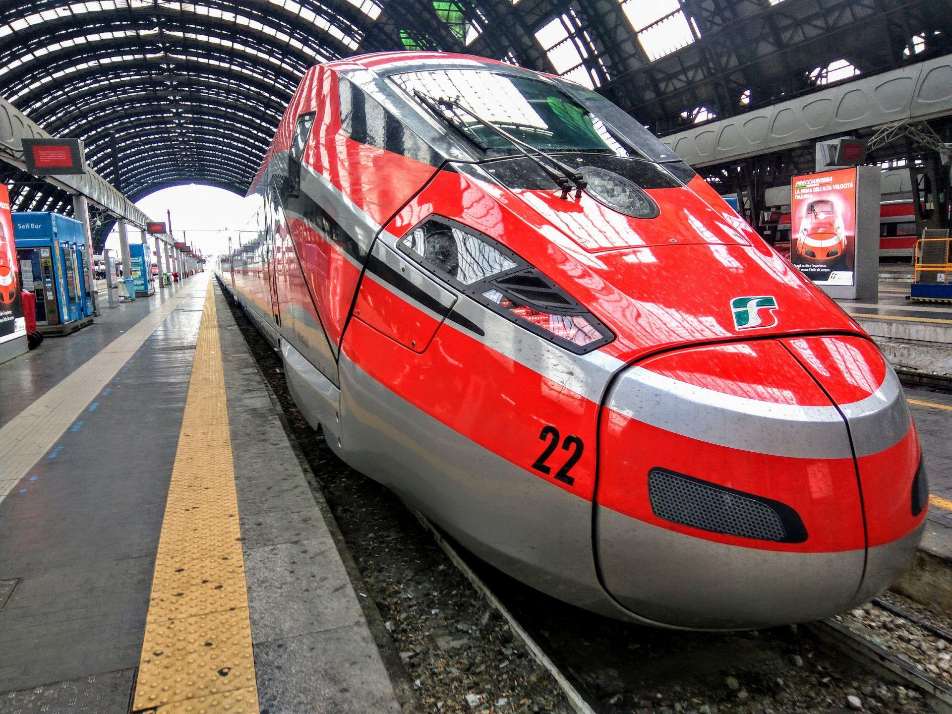 Vysokorychlostní jednotka Frecciarossa 1000 v Miláně. Foto: Jan Sůra