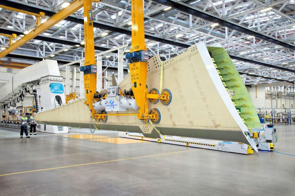 Výroba křídla pro A220 v Belfastu. Foto: Bombardier