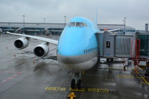 Boeing 747-8i Korean Air v Praze má kapacitu celkem 368 cestujících. Foto: Michal Holeček