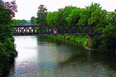 Dnešní podoba železniční mostu v Lužci nad Vltavou. Pramen: ŘVC