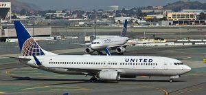 Stávající zbarvení United Airlines. Foto: Raimond Spekking / Wikimedia Commons