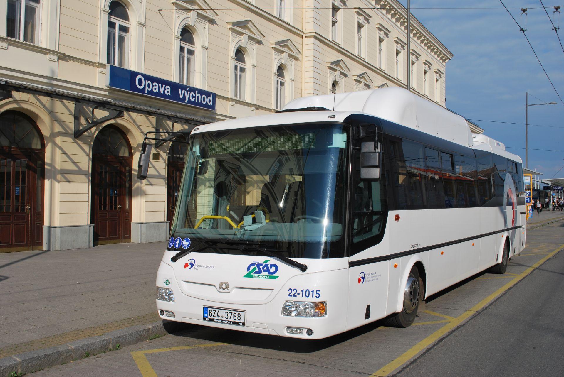 Autobusy ČSAD Vsetín pro Opavsko jsou od výrobce SOR. Pramen: ČSAD Vsetín
