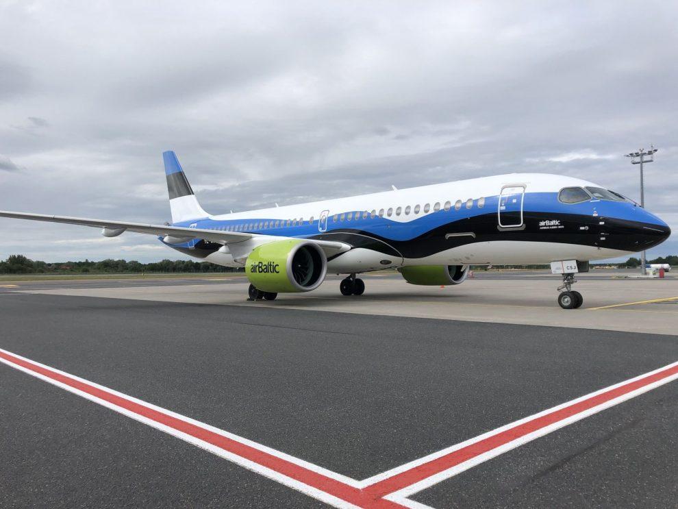Airbus A220 v barvách estonské vlajky. Foto: airBaltic