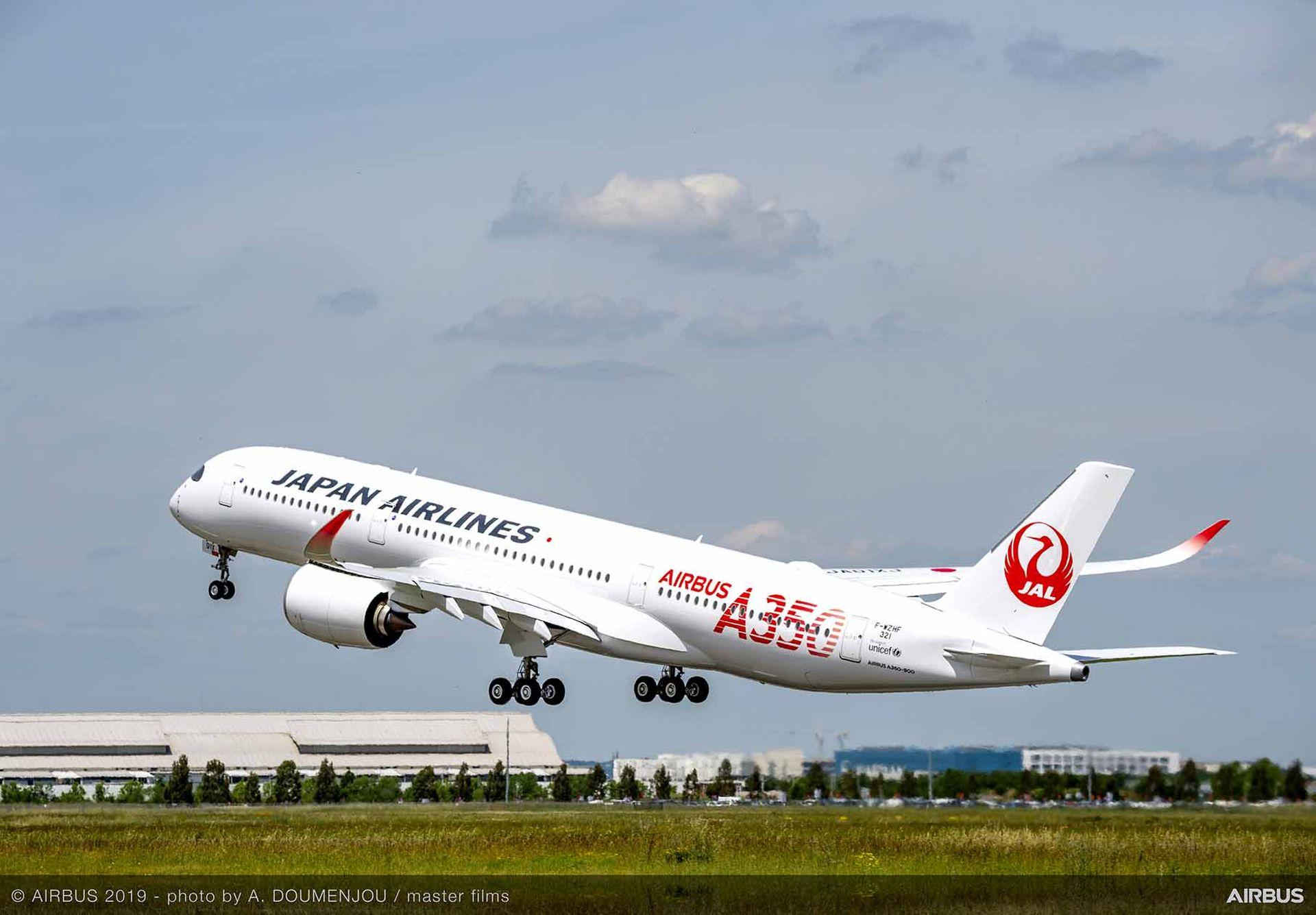 A350-900 společnosti Japan Airlines odlétá z Toulouse. Foto: Airbus
