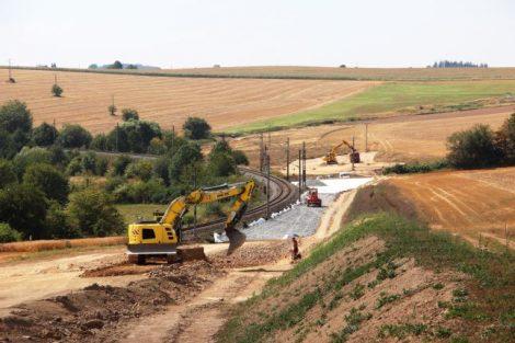 Úsek Sudoměřice - Votice, Mezno, směr tunel. Pramen: SŽDC