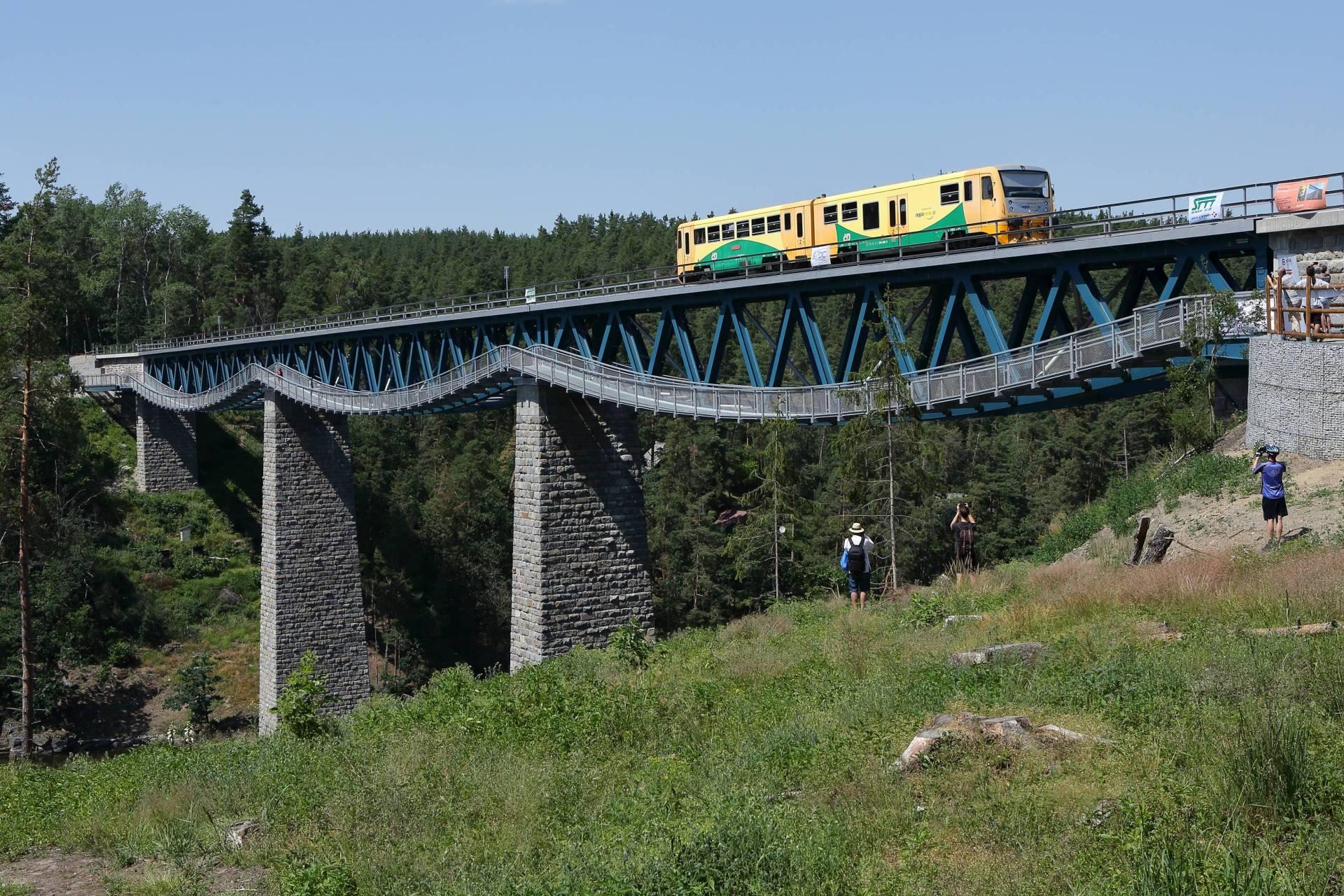 Most přes přehradu Hracholusky. Pramen: Plzeňský kraj