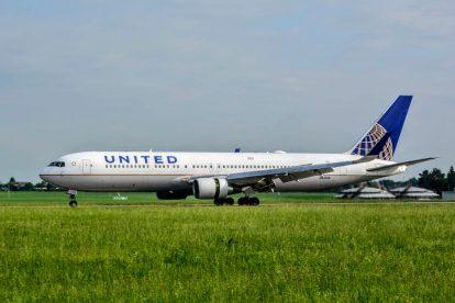 Přílet Boeingu 767-300 United Airlines z Newarku do Prahy. Foto: Michal Holeček