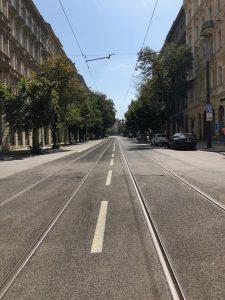 Vinohradská ulice po rekonstrukci. Foto: FB Adama Scheinherra