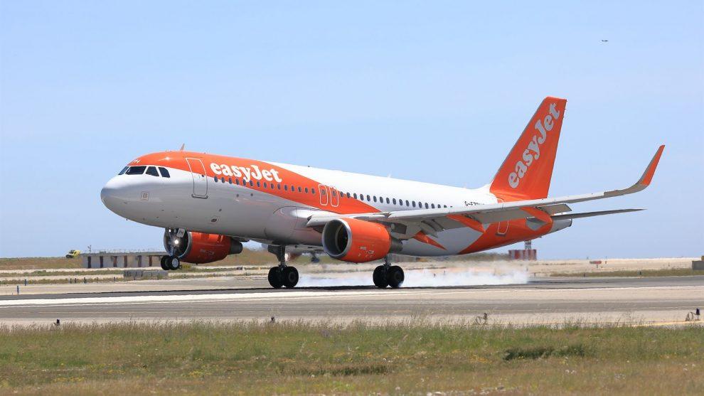 easyJet a jeho Airbus A320. Foto: easyJet