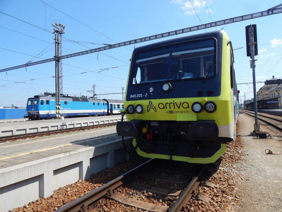 Vlak společnosti Arriva na nádraží v Českých Budějovicích. Autor: Zdopravy.cz/Jan Šindelář