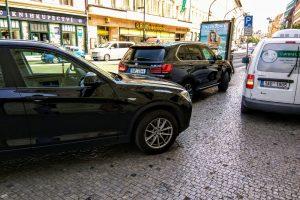 Provoz osobních aut na Národní třídě. Foto: Jan Sůra