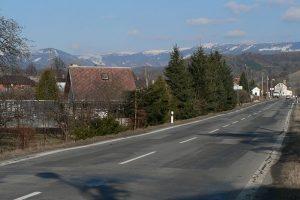 Silnice I/11 v Petrově nad Desnou. Autor: Martin Vavrik – Vlastní dílo, Volné dílo, https://commons.wikimedia.org/w/index.php?curid=12609168