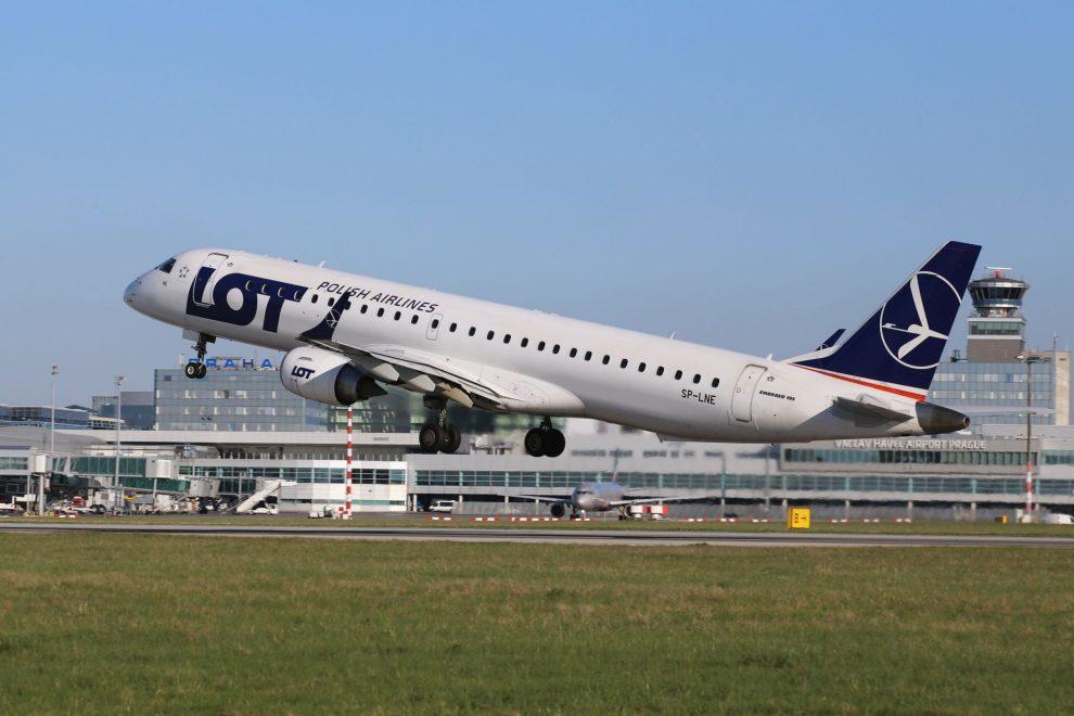 Embraer E195 společnosti LOT. Foto: Letiště Praha