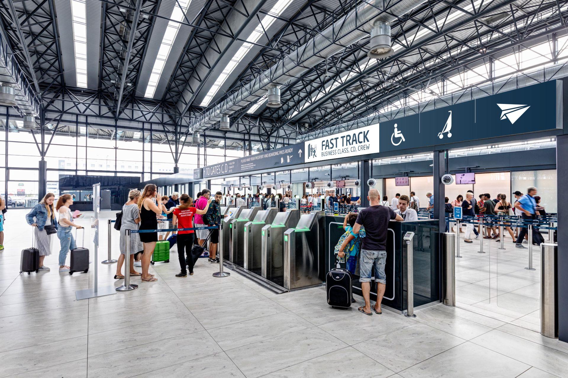 Přednostní bezpečnostní kontrola na Letišti Václava Havla. Foto: Letiště Praha