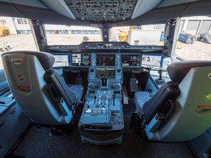 Kokpit A350-1000. Foto: Samchui.com/Flyrosta.com
