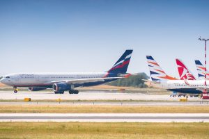 Kvůli velké části zrušených letů Aeroflot poslal do Prahy větší Airbus A330. Foto: Rosťa Kopecký / Flyrosta.com
