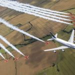 Průlet Boeingu 747 s akrobatickým týmem Red Arrrows. Foto: British Airways