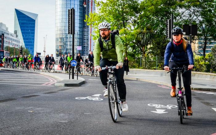 Cyklisté v Londýně. Foto: TfL