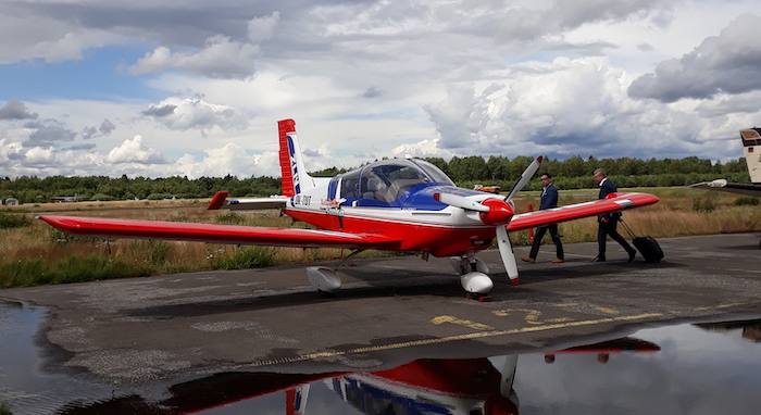 Letadlo Zlin Z 143 LSi Genius po přistání . Foto: Velvyslanectví ČR ve Finsku