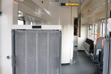 Interiér nové elektrické jednotky 660 pro ZSSK. Foto: Milan Šrámek / Škoda