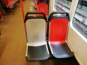 Detail nových plastových sedaček od společnosti Ruspa. Foto: Lukáš Hampacher / DPP