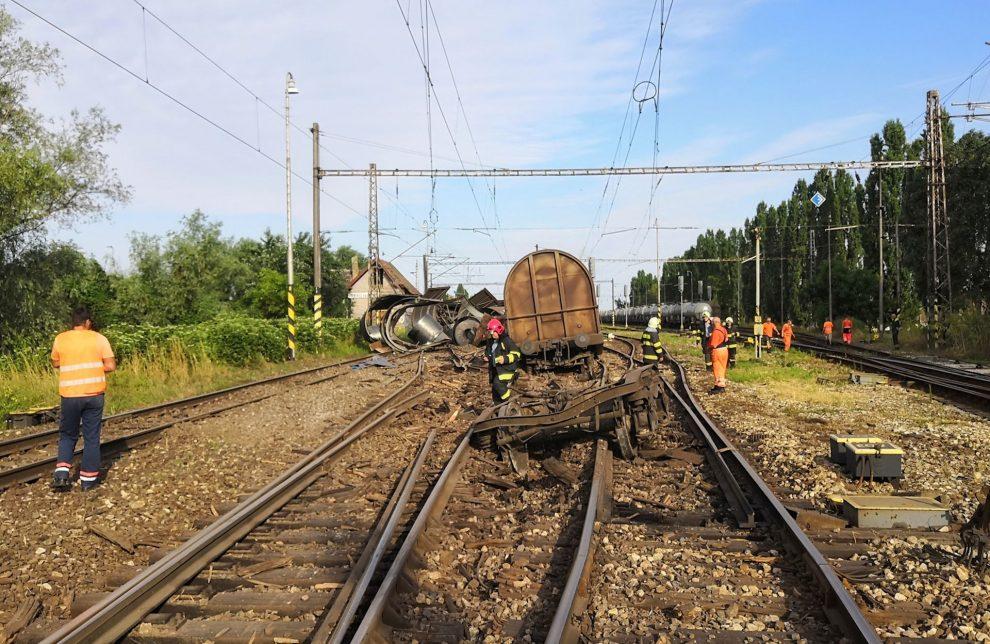 Vykolejení nákladního vlaku v Trnovci nad Váhom. Foto: Peter Melicher / Railtrans.sk