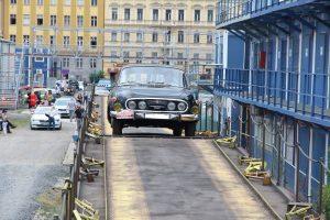 Nakládka vozidel na autovlak. Autor: České dráhy