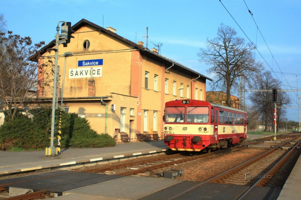 Železniční stanice Šakvice. Foto: www.obec-petrov.cz