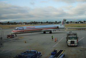 McDonell Douglas MD-80 společnosti American Airlines na letišti Dallas/Fort Worth. Foto: Bill Abbott [CC BY-SA 2.0 (https://creativecommons.org/licenses/by-sa/2.0)]