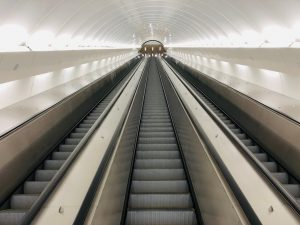 Nové eskalátory ve stanici metra B Karlovo náměstí. Pramen: DPP