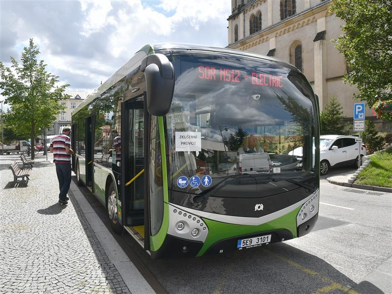 Testovací elektrobus SOR v Kladně. Pramen: Město Kladno