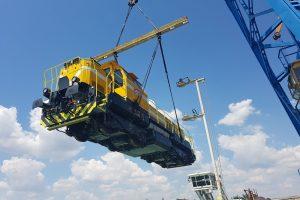Překládka lokomotiv v bulharském přístavu Ruse. Foto: CZ LOKO