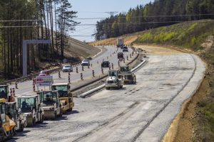 Budování dálnice D3 Ševětín - Borek. Pramen: ŘSD