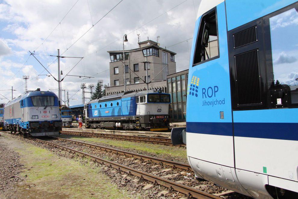 Vlak auto zavěsit