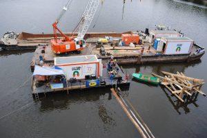 Stavba nových ledolamů u Karlova mostu. Pramen: TSK Praha