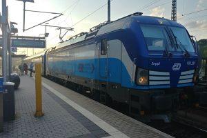 Vlaky mezi Prahou a Berlínem nabraly až téměř tříhodinové zpoždění.