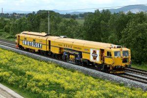 Stroje na úpravu kolejí společnosti Swietelsky Rail. Pramen: Swietelsky Rail
