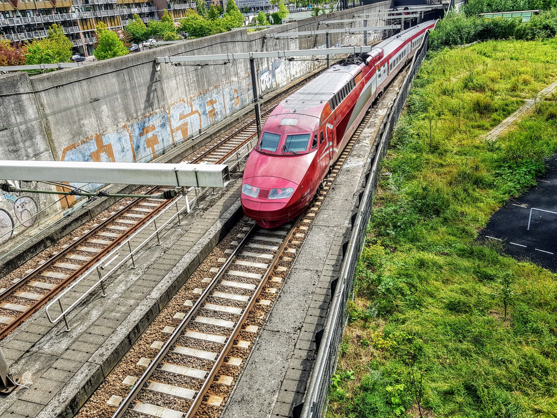 Rychlovlak společnosti Thalys z Bruselu přijíždí do Rotterdamu. Foto: Jan Sůra