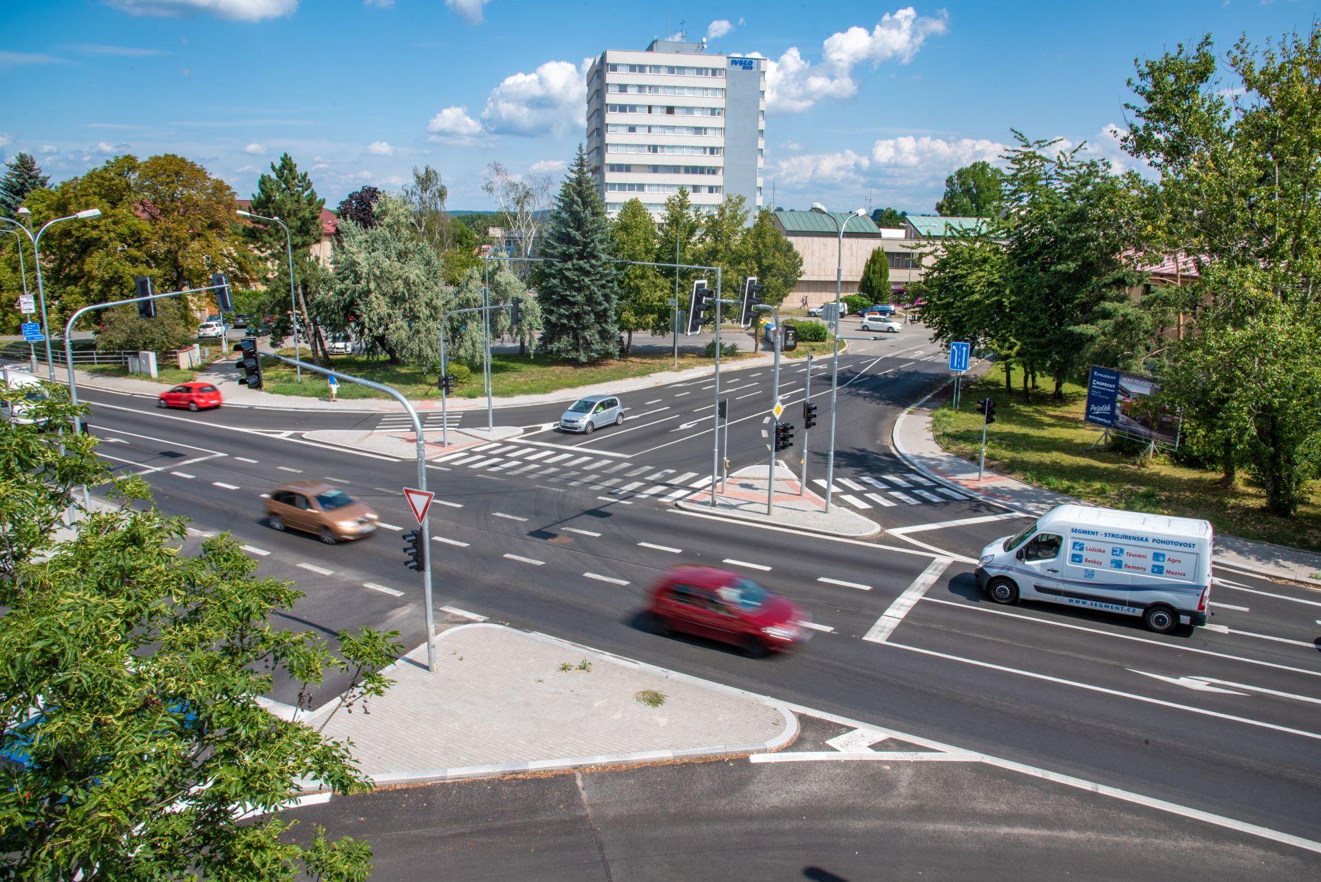 Jedna z upravených křižovatek na silnici I/35 ve Vysokém Mýtě. Foto: AŽD Praha