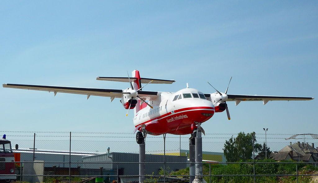 Letadlo L-610. Autor: Sled2050 – Vlastní dílo, CC BY-SA 3.0, https://commons.wikimedia.org/w/index.php?curid=27499286
