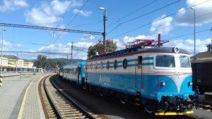 Přeprava motorové jednotky řady 845.1 v nových barvách Arrivy. Foto: Antonín Stejskal