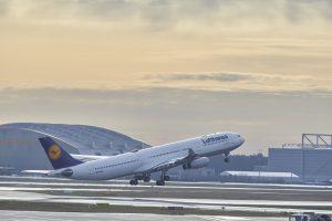 Airbus A340-300 odlétající z Frankfurtu. Foto: Lufthansa