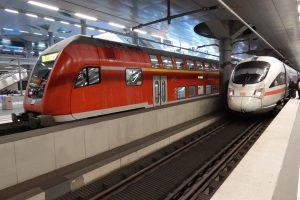 Podzemní nástupiště na hlavním nádraží v Berlíně. Autor: Zdopravy.cz/Jan Šindelář