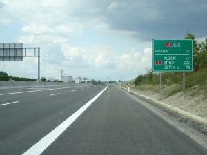 Opravená dálnice D11 u Prahy. Pramen: ŘSD