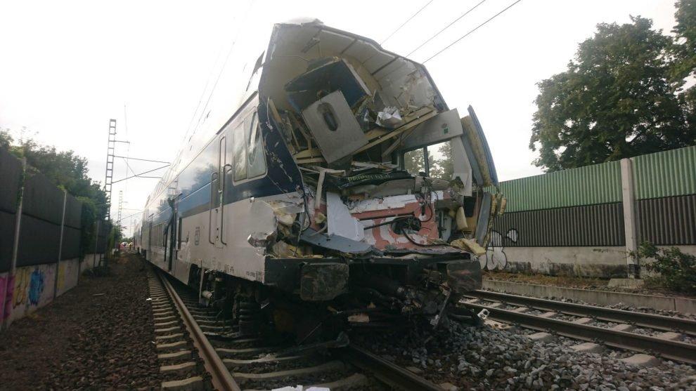 CityElefant po srážce s kamionem v Uhříněvsi. Foto: Drážní inspekce