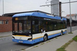 Trolejbus Ekova Electron na Palmovce. Foto: DPP