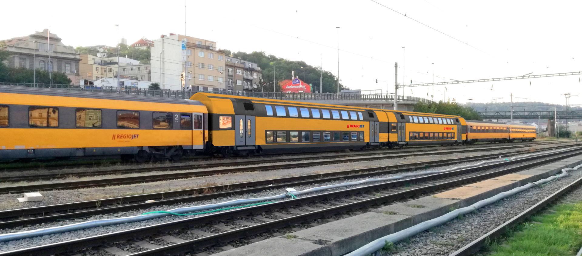 Dvoupodlažní vozy RegioJetu pro Slovensko, vizualizace. Pramen: RegioJet