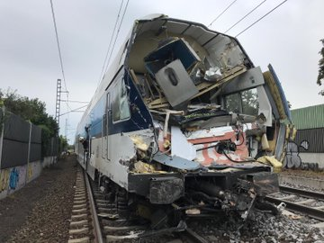 CityElefant po srážce s kamionem v Uhříněvsi. Foto: HZS Praha