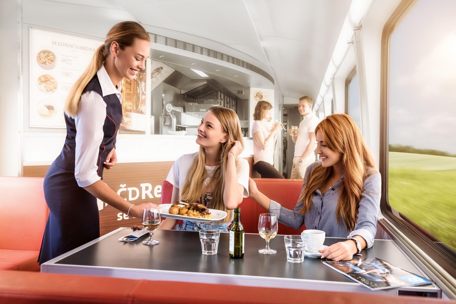 Bistro ve vlaku Railjet. Pramen: JLV