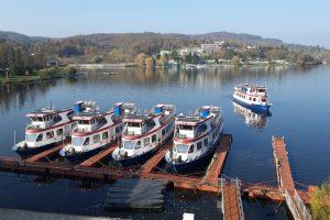 Lodě DPMB na Brněnské přehradě. Pramen: DPMB